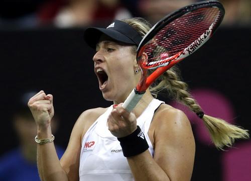 Angelique Kerber suýt làm nên chuyện trước đối thủ chủ nhà Petra Kvitova