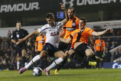 Erik Lamela mở tỉ số cho Tottenham