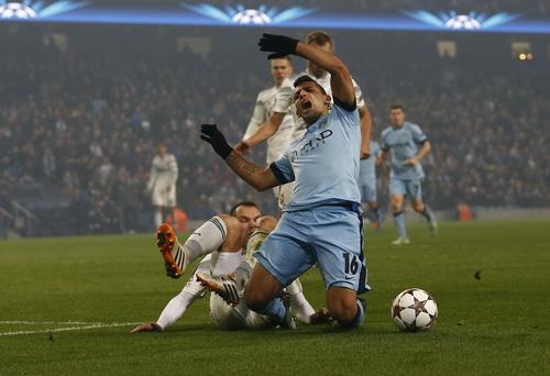 Man City (Sergio Aguero) gục ngã trước CSKA Moscow tại Etihad
