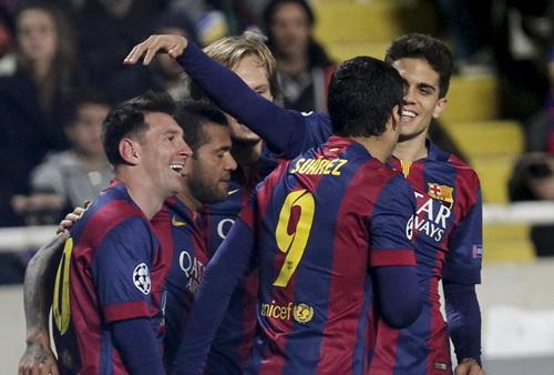 Lionel Messi liên tục lập kỷ lục ghi bàn, sau La Liga đến Champions League