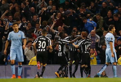 Newcastle sau bàn thắng của Sissoko