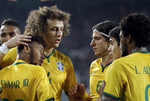 Neymar lập cú đúp cho Selecao
