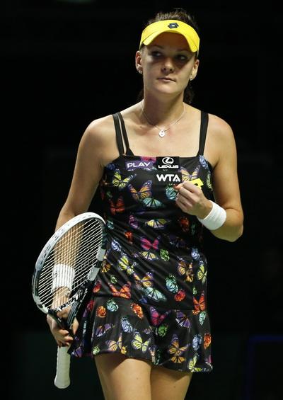 Radwanska gác vợt trước người bạn thân Wozniacki