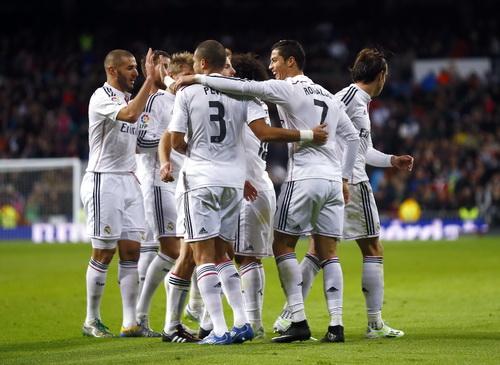 Real Madrid bất khả chiến bại 18 trận liên tiếp