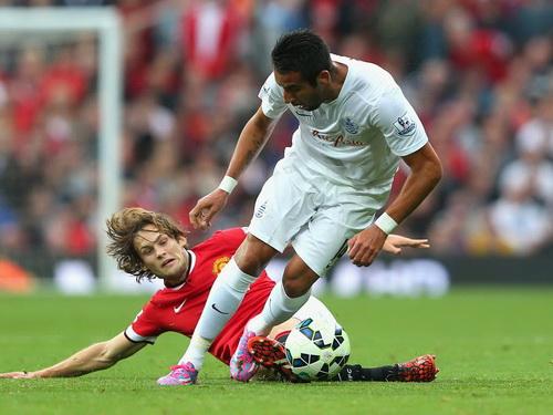 Không ngại tranh chấp, đủ thể lực chơi trọn 90 phút ở trận ra mắt tại Premier League