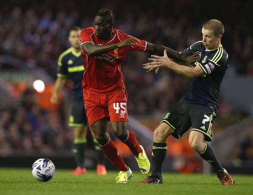 Balotelli xông xáo trước hàng thủ Middlesbrough