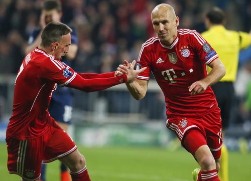 ... đối đầu Bayern Munich