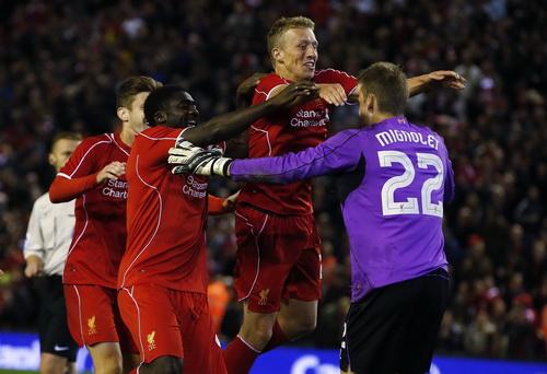Liverpool giành chiến thắng sau 15 loạt sút luân lưu với tỉ số 14-13