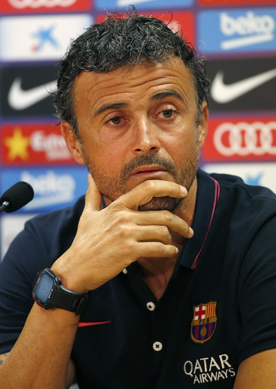 HLV Luis Enrique lo lắng cho tương lai mùa tới của Barcelona