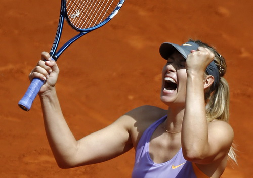 Sharapova trở lại ngoạn mục ở hai ván tiếp theo