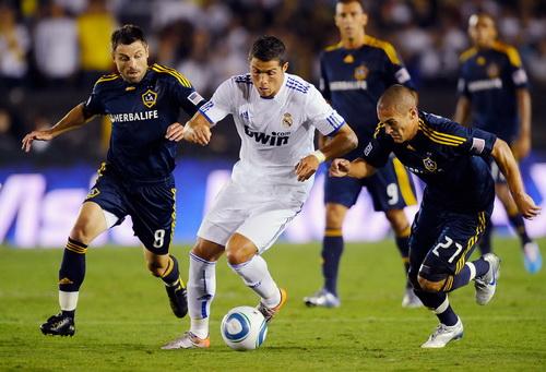 Một trận đấu tại giải Champions Cup 2013