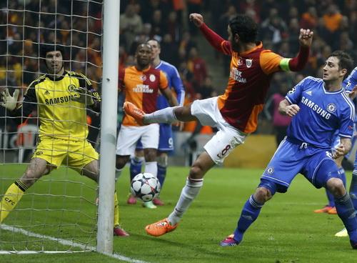 Petr Cech là chốt chặn tin cậy của Chelsea