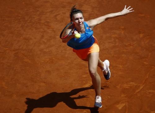 Simona Halep lên hạng tư thế giới