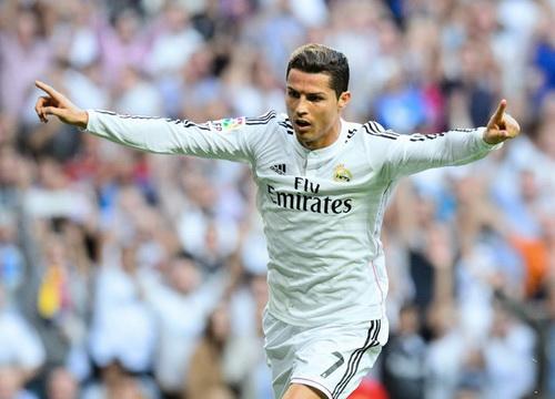 Ronaldo đang bay bổng trong màu áo Real Madrid