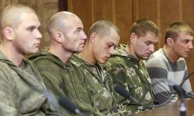 Lính dù Nga được trả về Moscow. Ảnh: Sky News