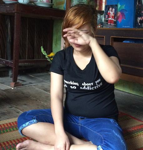 R. kể trong nước mắt những ngày tủi nhục bị lừa sang Malaysia bán dâm