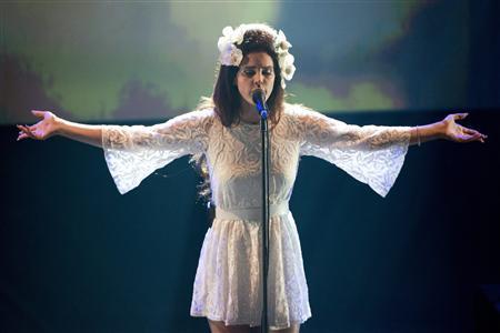 """Nữ ca sĩ thừa nhận """"lên giường"""" với nhiều người trong làng giải trí"""