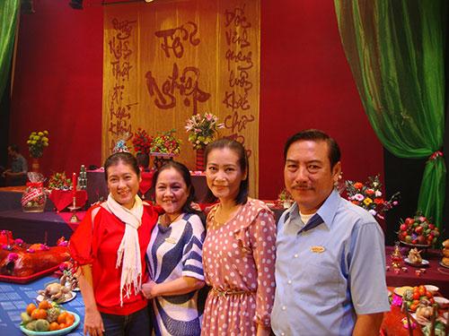 Các nghệ sĩ Thanh Thủy, Ái Như, Tuyết Thu và Thành Hội của sân khấu Hoàng Thái Thanh
