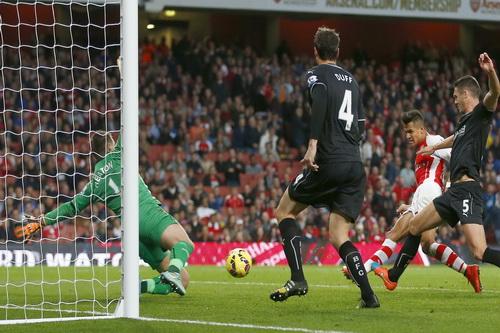 Alexis Sanchez ghi bàn phút 90+1