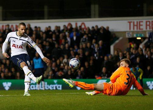 Roberto Soldado ấn định chiến thắng 4-0 cho Tottenham trước Newcastle
