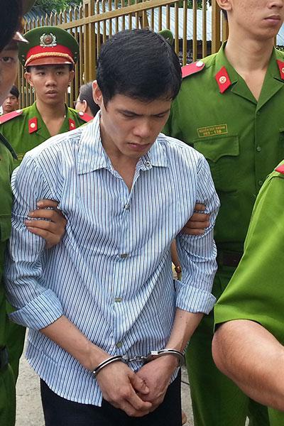 Chỉ vì mâu thuẫn nhỏ, Nguyễn Thái Sơn đã nhẫn tâm đâm người yêu của mình một nhát chí mạng.