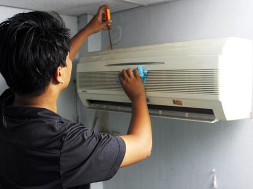 Dịch vụ bảo dưỡng, sửa chữa máy lạnh thu hút khách hàng