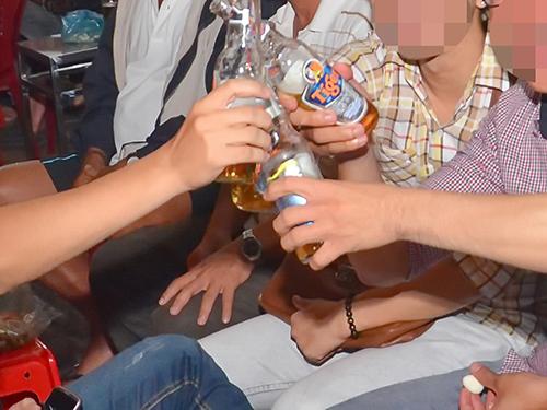 Có khoảng 20% những người uống rượu kéo dài bị biến chứng xơ ganẢnh: Tấn Thạnh