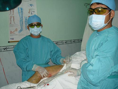 Phẫu thuật điều trị bệnh suy tĩnh mạch tại Bệnh viện Nhân dân 115 TP HCM