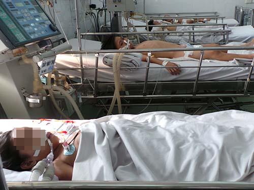 Các bệnh nhi mắc sởi được điều trị tại Bệnh viện Nhi Đồng 1