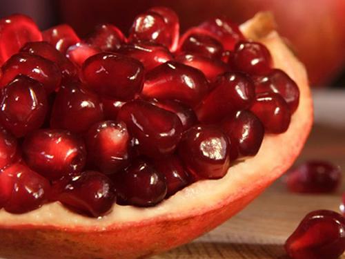 Axít oleanolic, axít ursolic và axít gallic trong trái lựu có thể làm thay đổi công hiệu của thuốc tây Ảnh: ABC News