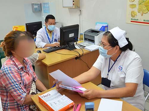 Khám bệnh về tiêu hóa tại một bệnh viện ở TP HCMẢnh: Tấn Thạnh