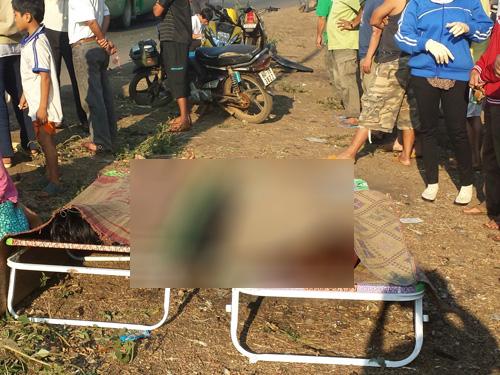 Thi thể hai nạn nhân trong vụ tai nạn tại xã Hưng Lộc, huyện Thống Nhất, Đồng Nai