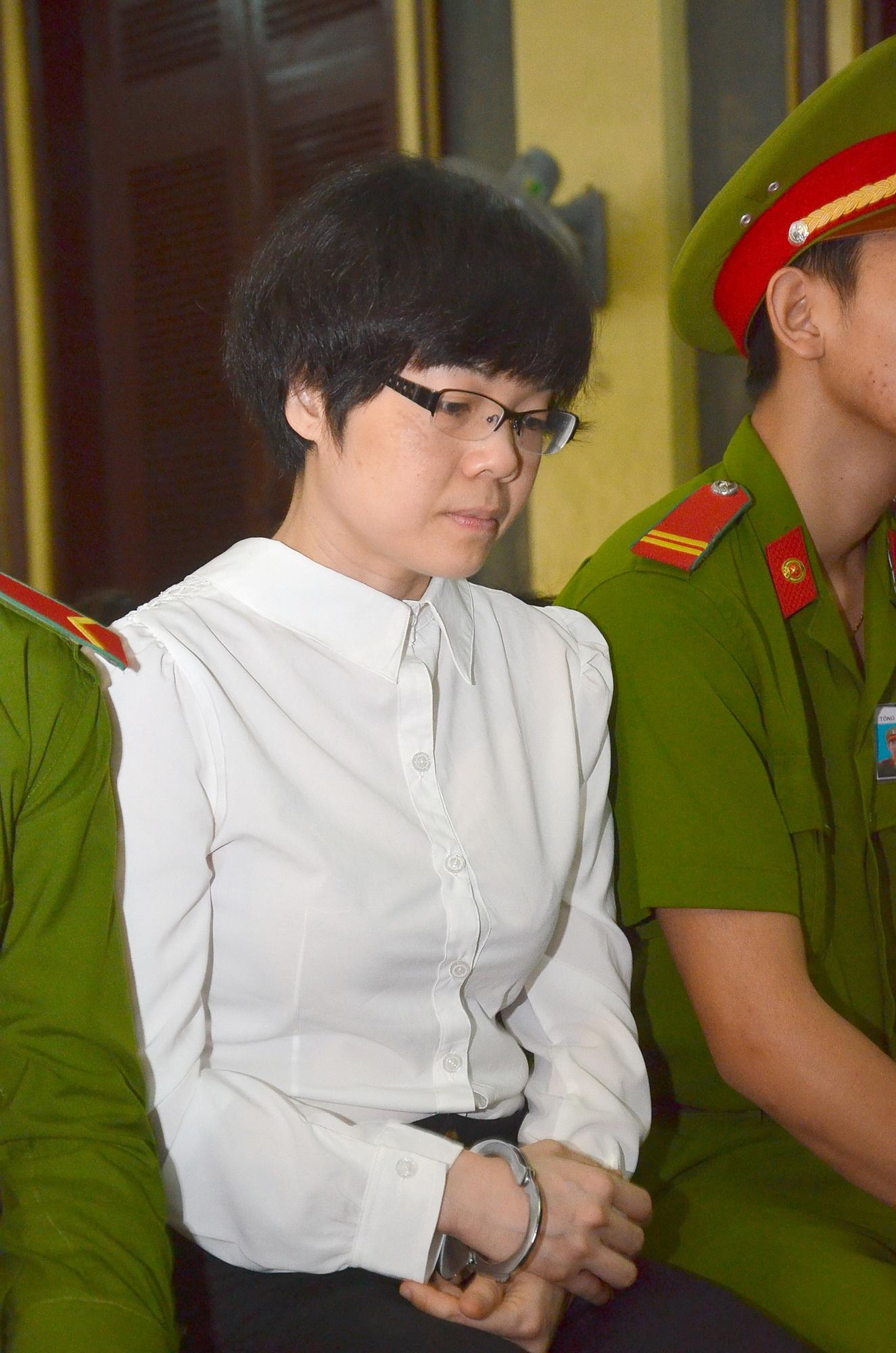Bị cáo Huỳnh Thị Huyền Như tại tòa sáng 7-1