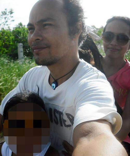 Vợ chồng Ryan Noval và Jasmine Badocdoc kiện y tá dán miệng con