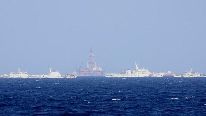 Tàu Trung Quốc dày đặc quanh khu vực giàn khoan 981 hạ đặt trái phép trên vùng biển Việt Nam