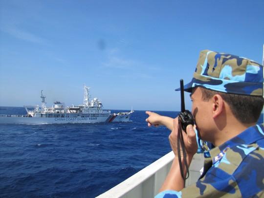 Ngày 16-5, Việt Nam vẫn duy trì lực lượng như ngày 15-5. Còn Trung Quốc,  bên cạnh việc duy trì tàu quân sự và 2 máy bay tuần thám, số tàu của Trug Quốc đã tăng lên, tổng số tại khu vực giàn khoan là 126 tàu.