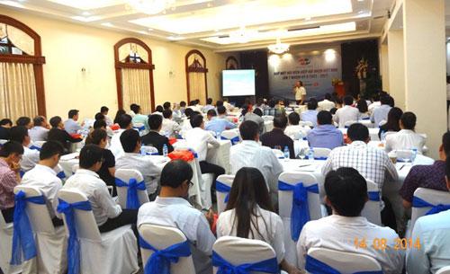 Techcombank giới thiệu sản phẩm Tài trợ doanh nghiệp ngành nhựa trong buổi họp mặt hội viên lần thứ 7 nhiệm kỳ V của Hiệp hội Nhựa Việt Nam