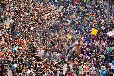 Khoảng 43 người thiệt mạng và 502 người bị thương chỉ trong 4 ngày lễ hội. Ảnh: Dreams Time