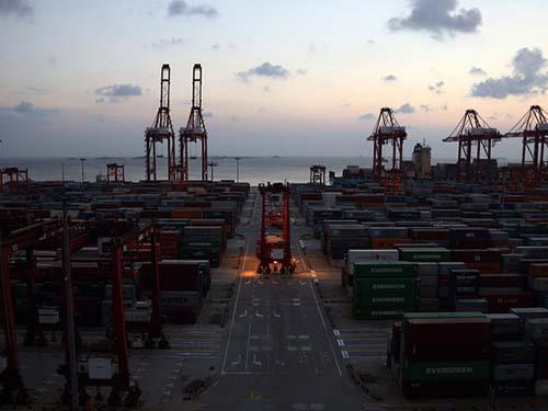 Kim ngạch xuất khẩu của Trung Quốc tăng trưởng thấp hơn dự kiến trong tháng 11-2014 Ảnh: Bloomberg