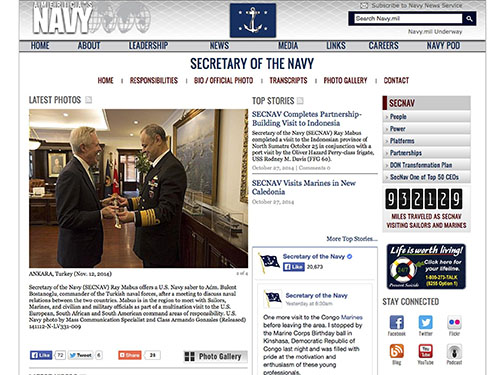 """Bộ trưởng Ray Mabus """"khoe"""" thành tích đi lại trên trang web của Hải quân Mỹ Ảnh: AP"""