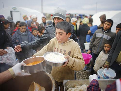 Rất nhiều người Kurd rời bỏ TP Kobani chạy trốn ISẢnh: REUTERS