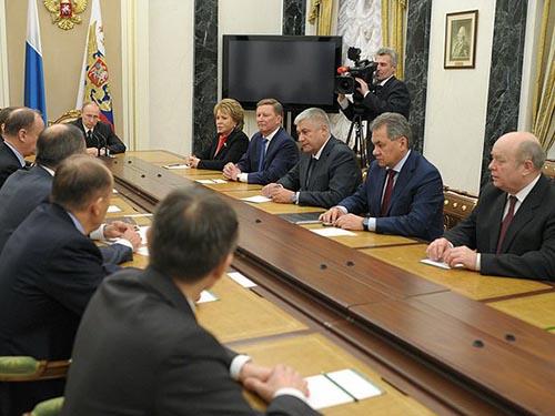 Tổng thống Vladimir Putin chủ trì cuộc họp Hội đồng An ninh Nga hôm 21-3Ảnh: KREMLIN.RU