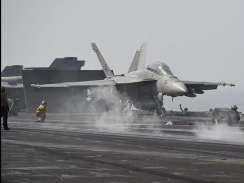 Việc Tổng thống Barack Obama trì hoãn không kích IS ở Syria khiến nhiều nghị sĩ Mỹ thất vọng Ảnh: EPA