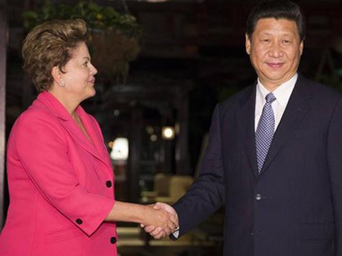 Tổng thống Brazil Dilma Rousseff tiếp Chủ tịch Trung Quốc Tập Cận Bình hôm 14-7Ảnh: DW