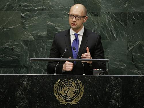 Thủ tướng Ukraine Arseniy Yatsenyuk phát biểu tại khóa họp 69 Đại Hội đồng Liên Hiệp Quốc hôm 24-9 Ảnh: AP