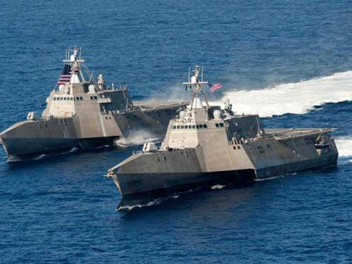 Hai tàu chiến Mỹ hoạt động ở Thái Bình Dương hồi tháng 4-2014 Ảnh: Hải quân Mỹ