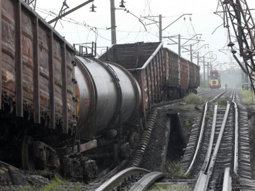 Cơ sở vật chất ở Donetsk và Luhansk thiệt hại nặng do chiến sự Ảnh: REUTERS