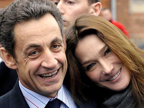 Vợ chồng ông Nicolas Sarkozy Ảnh: Sipa/Rex