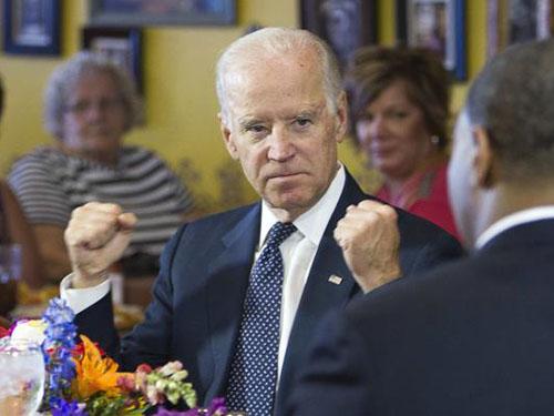 Phó Tổng thống Mỹ Joe Biden tại một cuộc thảo luận bàn tròn hôm 6-10 Ảnh: Reuters