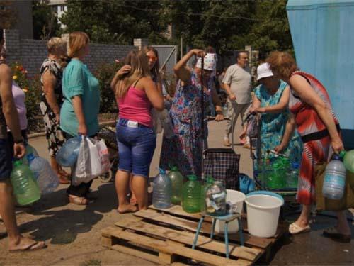 Thành phố Luhansk đang bên bờ vực khủng hoảng nhân đạo Ảnh: UNIAN